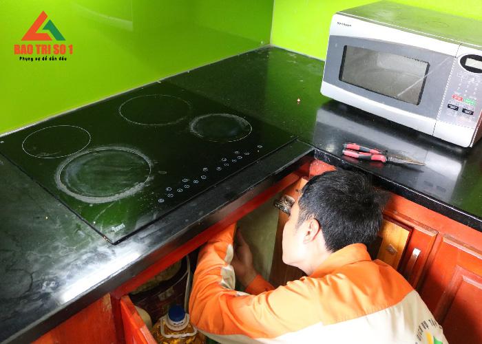 Sửa bếp từ không điều khiển được