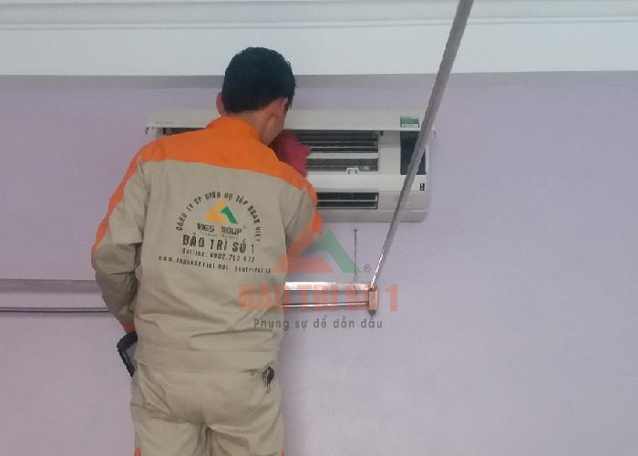 Dịch vụ vệ sinh, bảo dưỡng điều hòa tại Hà Nội